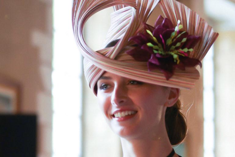 Les chapeaux de Caro, sur-mersue